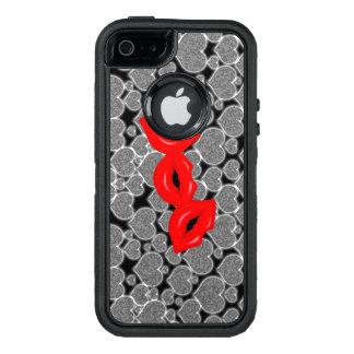 iGothic Entwürfe: Herzen und Küsse OtterBox iPhone 5/5s/SE Hülle
