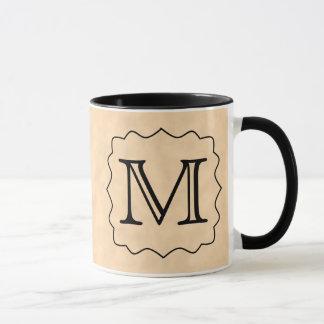 Ihr Brief. Kundenspezifisches Monogramm. Schwarzes Tasse