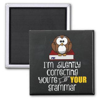 Ihre Grammatik-sarkastische Eule still korrigieren Quadratischer Magnet