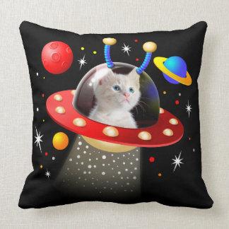 Ihre Katze in einer alien-Raumschiff UFO Sci Kissen