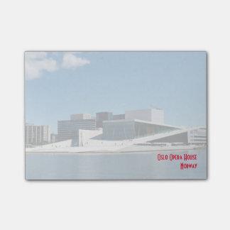 Ikonenhaftes Oslo-Opernhaus über dem Wasser Post-it Klebezettel
