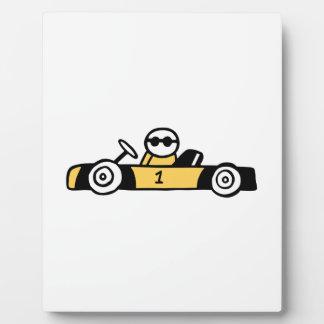 Illustration des laufenden Autos gedruckt auf T - Fotoplatte