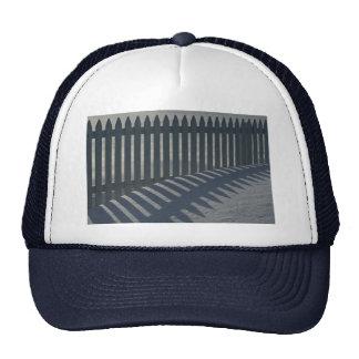 Illustrativer Zaun und Schatten Caps