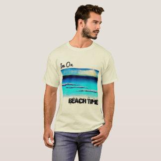 Im auf dem Shirt der Strand-Zeit-Männer