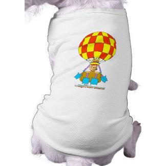 Im Ballon aufsteigender Hund Hund Shirts