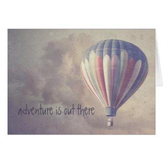 Im Ballon aufsteigender Retro Himmel-Vintager Karte