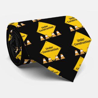 Im Bau mit Kegeln Krawatte
