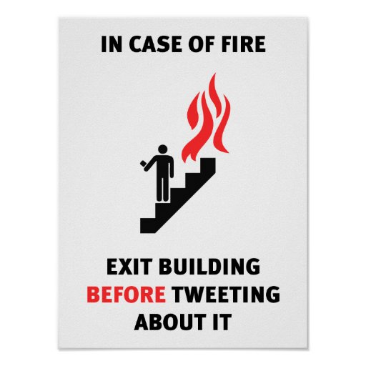 Im Falle des Feuers nehmen Sie Gebäude heraus, bev Poster