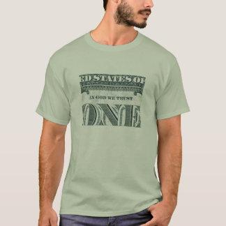 Im Gott vertrauen wir - einem T - Shirt