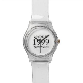 Im Jahre 1999 gemacht Armbanduhr