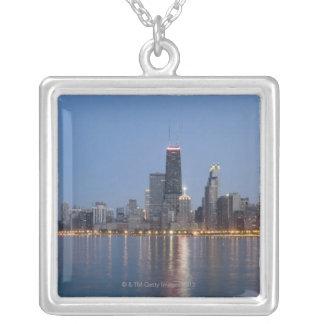 Im Stadtzentrum gelegene Chicago-Skyline Versilberte Kette