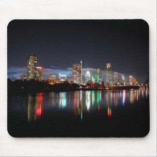 Im Stadtzentrum gelegene NachtSkyline 2 Austins Mousepad