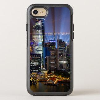 Im Stadtzentrum gelegene Singapur-Stadt nachts OtterBox Symmetry iPhone 8/7 Hülle
