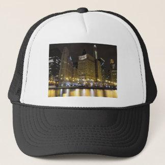 Im Stadtzentrum gelegenes Chicago auf dem Chicago Truckerkappe
