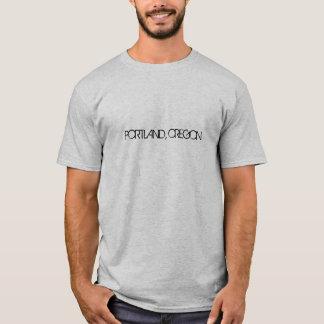 Im Stadtzentrum gelegenes Portland, Oregon nachts T-Shirt