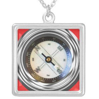 Imitat-Kompass Halskette Mit Quadratischem Anhänger