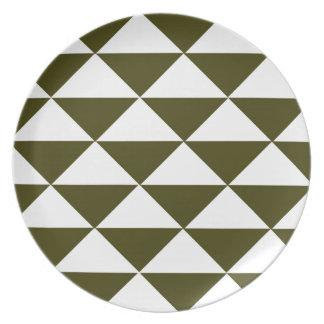 Immergrüne und weiße Dreiecke Melaminteller