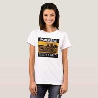 Immersive Mittelmäßigkeits-Marke: Einkaufsstraßen T-Shirt