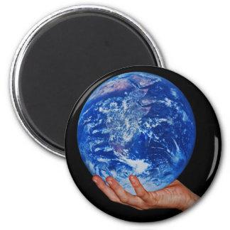 In der Hand des Gottes Runder Magnet 5,7 Cm