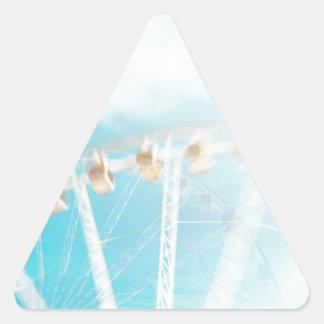 In der Luft Dreieckiger Aufkleber