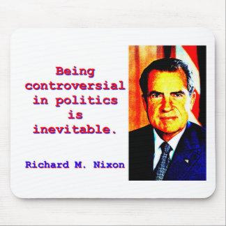 In der Politik umstritten sein - Richard Nixon .jp Mousepads