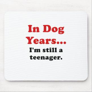 In Hundejahre Im noch ein Jugendlicher Mauspad