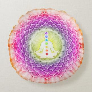 In Meditation mit Chakren - Artwork I Rundes Kissen