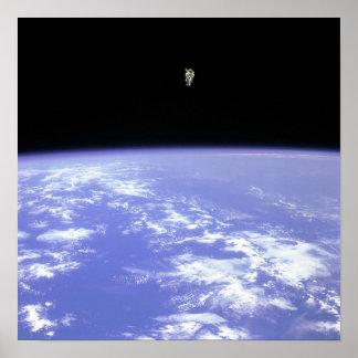 In Raum frei fliegen Posterdruck