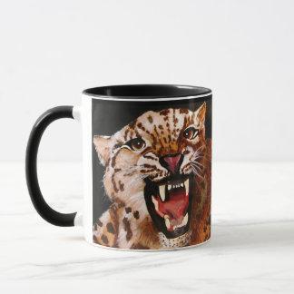 In Verlegenheit gebrachte (Leopard-) Tasse