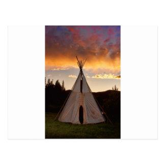 Indisches Teepee-Sonnenuntergangvertikalebild Postkarte