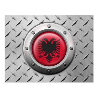 Industrielle albanische Flagge mit Stahlgraphik Postkarte