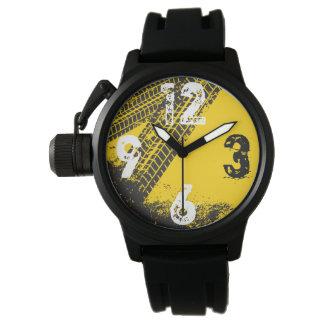 Industrielle Mann-Höhle Garagen-Reifen-Bahn Armbanduhr
