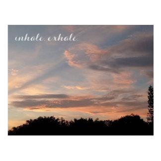 Inhale atmen aus postkarte