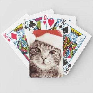 Inländische Tabbykatze, die roten Weihnachtshut Bicycle Spielkarten