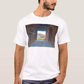 Innerhalb eines alten Korn elivater T-Shirt