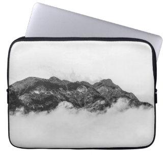 Insel auf Wolken Laptop Sleeve