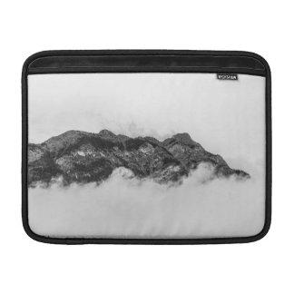 Insel auf Wolken MacBook Air Sleeve