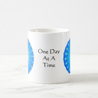 inspirierend geistiges Zitat - ein Tag auf einmal Kaffeetasse
