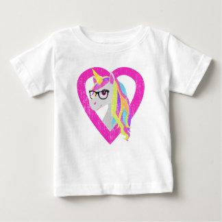 Intelligentes Einhorn mit Glas-Retro beunruhigt Baby T-shirt