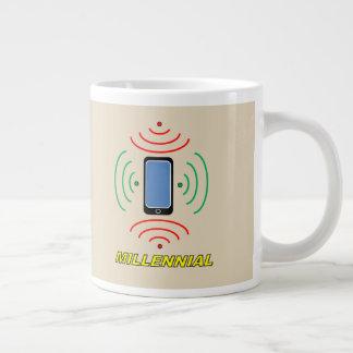 Intelligentes Telefon-tausendjährige riesige Tasse