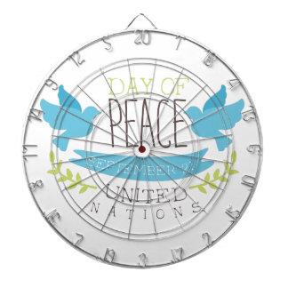 Internationale Friedenstagesaufkleber-Entwürfe in Dartscheibe
