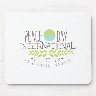 Internationale Friedenstagesaufkleber-Entwürfe in Mousepad
