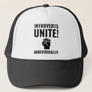 Introverts vereinigen truckerkappe