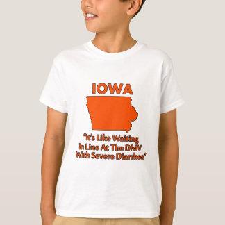 Iowa - Gleiches wartete in Linie am DMV… T-Shirt