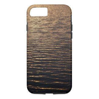 iPhone: Kräuselungen auf einer Wasser-Oberfläche iPhone 8/7 Hülle