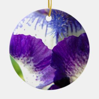 Iris-Ausbreiten Keramik Ornament