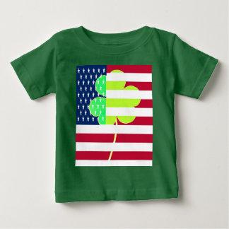 Irischer amerikanische Flaggen-Kleeblatt-Klee St Baby T-shirt