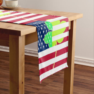 Irischer amerikanische Flaggen-Kleeblatt-Klee St Großer Tischläufer