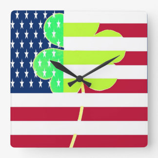 Irischer amerikanische Flaggen-Kleeblatt-Klee St Quadratische Wanduhr