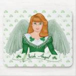 Irischer Engel und Fahne Mauspads
